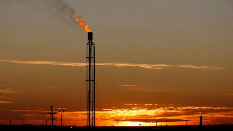 Most flares from Texas Permian oil drilling lack permits -study